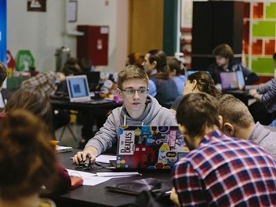 Начало занятий в Академии информатики для школьников